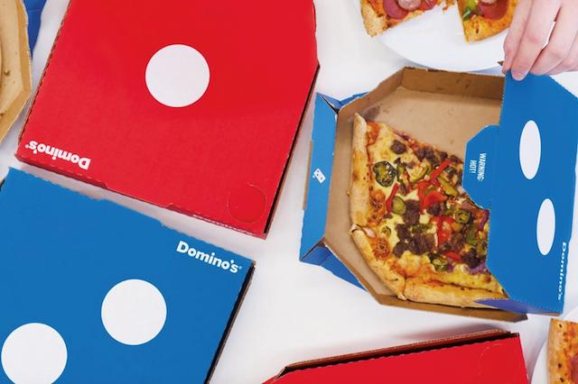 پیتزا دومینو یکی از برندهای محبوب مواد غذایی