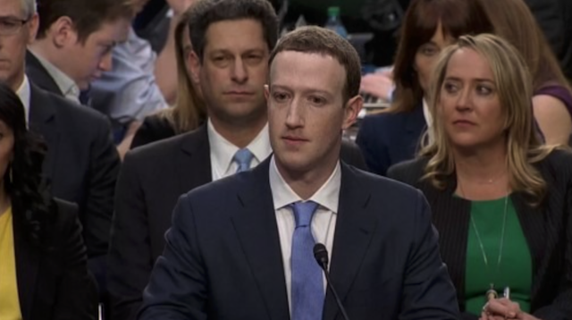 حضور زاکربرگ در کنگره آمریکا و پاسخ گویی به سناتورها